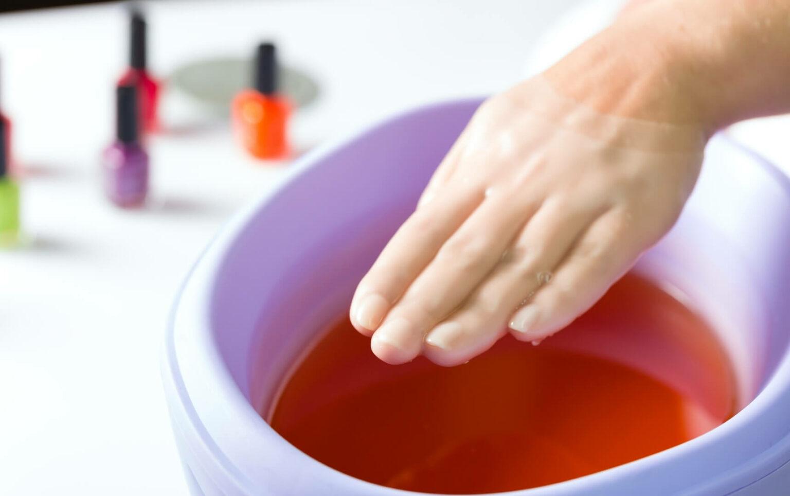 paraffina-per-la-manicure